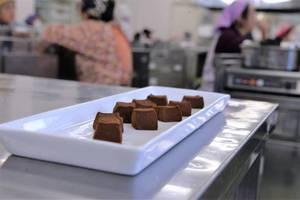 今日はチョコレート?実はチョコ餅です