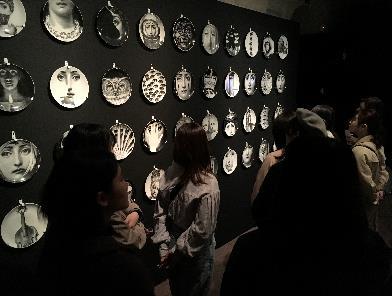 フェラガモ博物館内で様々なデザイン