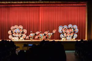 新入生歓迎会のオープニングは「すずめ隊」の演舞