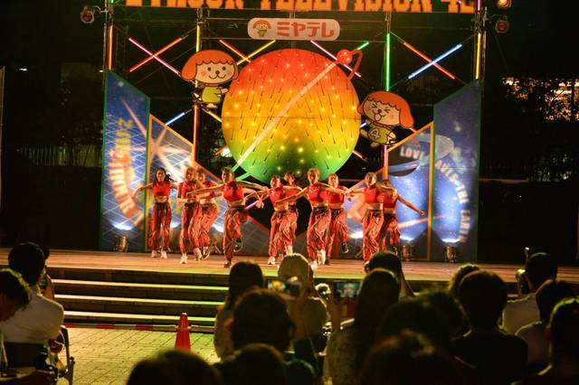 24時間テレビ仙台会場を圧倒!キレのあるヒップホップを披露「PEEK-A-BOO!!」