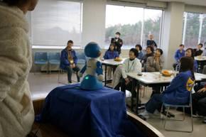 介護ロボット「SOTA」君も自己紹介