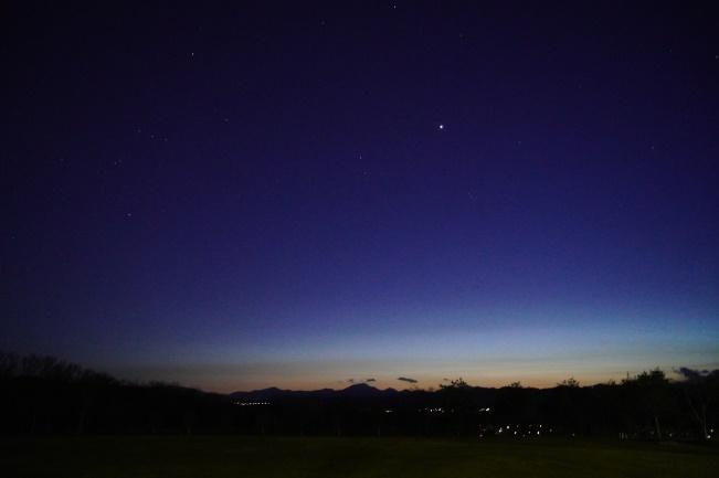 満天の星々が輝いていました。ひときわ目をひくのは金星