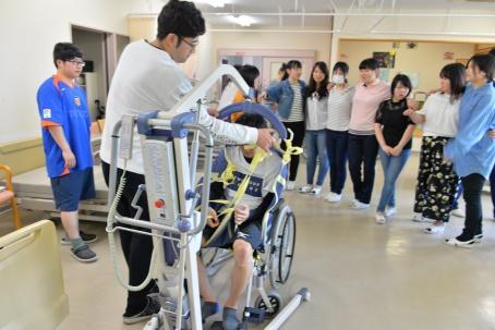 ⑨介護実習室