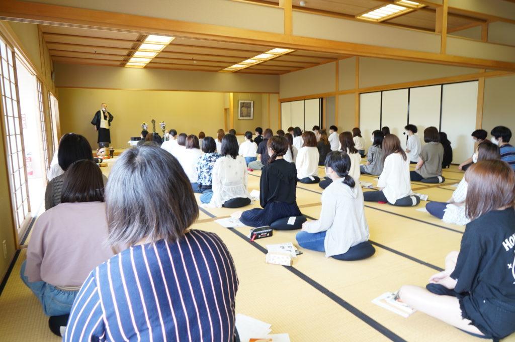 6月 人間と仏教の授業