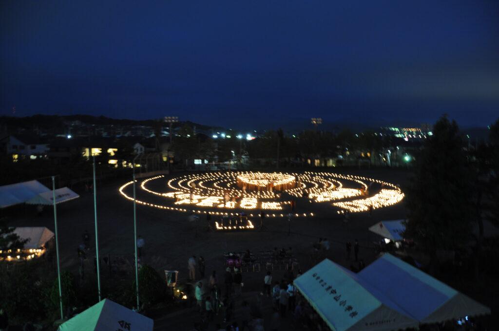 「みやぎ夢灯花」で被災地の一日も早い復興を願って参加者で1千本のロウソクに点火しました。 平成23/9/10