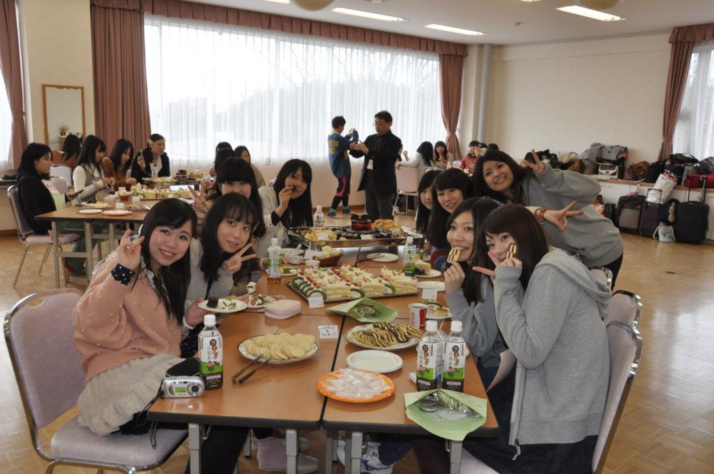 厚木市にある湘北短大と合宿形式で就職研究会が賑やかに開催されました。 平成24/3/7<br />