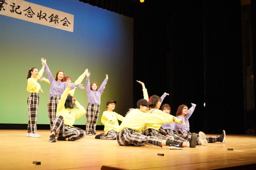 「なおとゆかいな仲間達」はダンス実技演習の授業仲間で結成するグループ。とっても楽しくて面白い踊りを見せてくれました。
