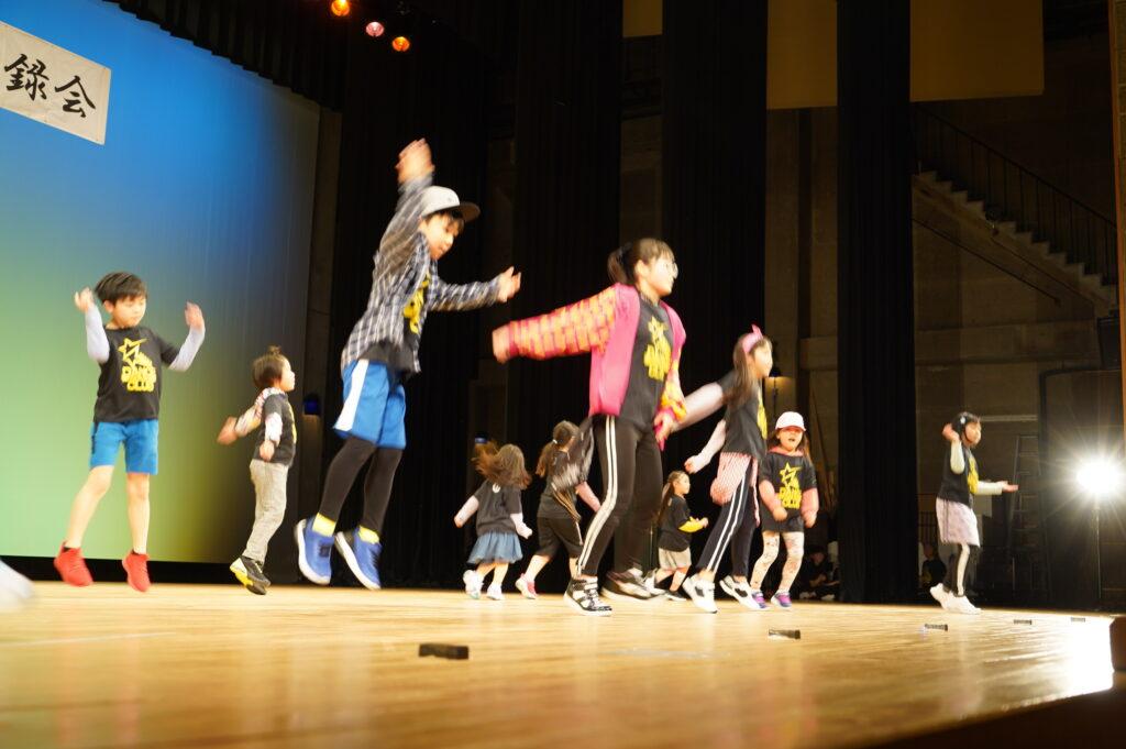 SEIWA DANCE CLAB & DANCE CLUB  GO FOR  IT!!   1年間公開講座の1つキッズダンスクラブに一生懸命通った子ども達の熱のこもった素晴らしい踊りでした。<br />