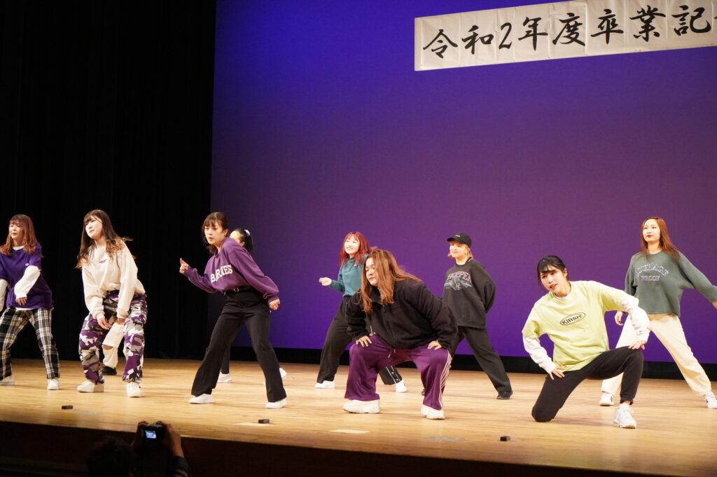 午後から始まったPARTⅡは、ストリートダンス部「PEEK-A-BOO!!」」から迫力のあるダンスで始まりました。<br />