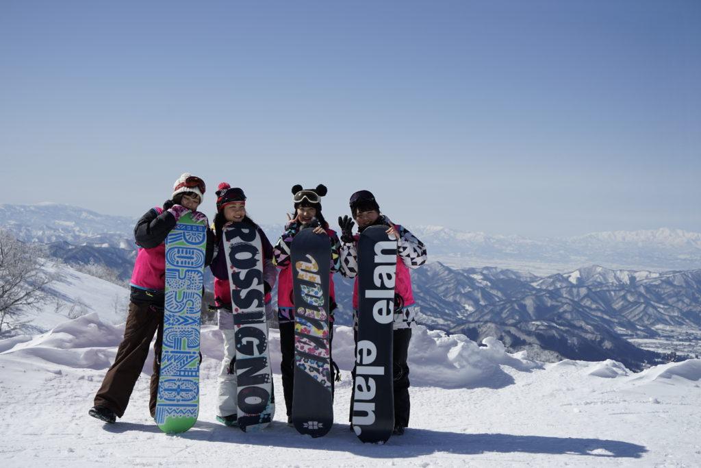 スノーボード実習は、吾妻連峰がすっかり見える晴天に恵まれたボード日和でした。(蔵王ユートピアゲレンデ)平成30年3月3日