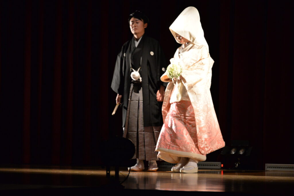 キャリフェスでは綿帽子をかぶって模擬結婚式。雰囲気も最高!。平成27年12月19日