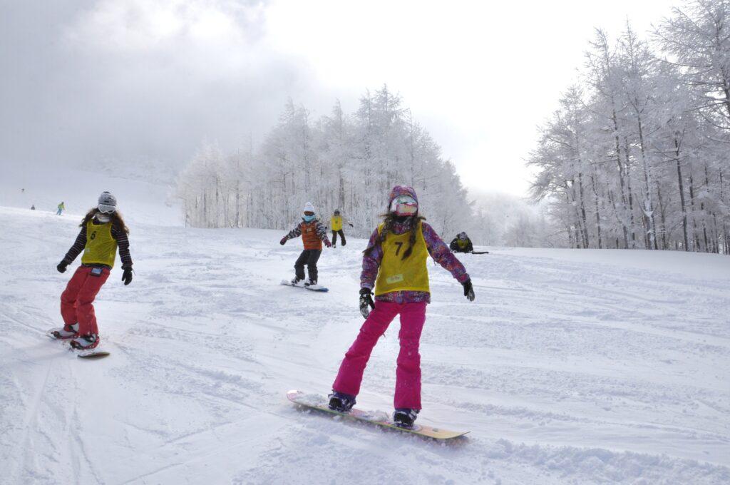山形蔵王の百万人ゲレンデを滑る爽快感は何とも言えない!最終日、大分うまくなりました。平成25年2月24日<br />