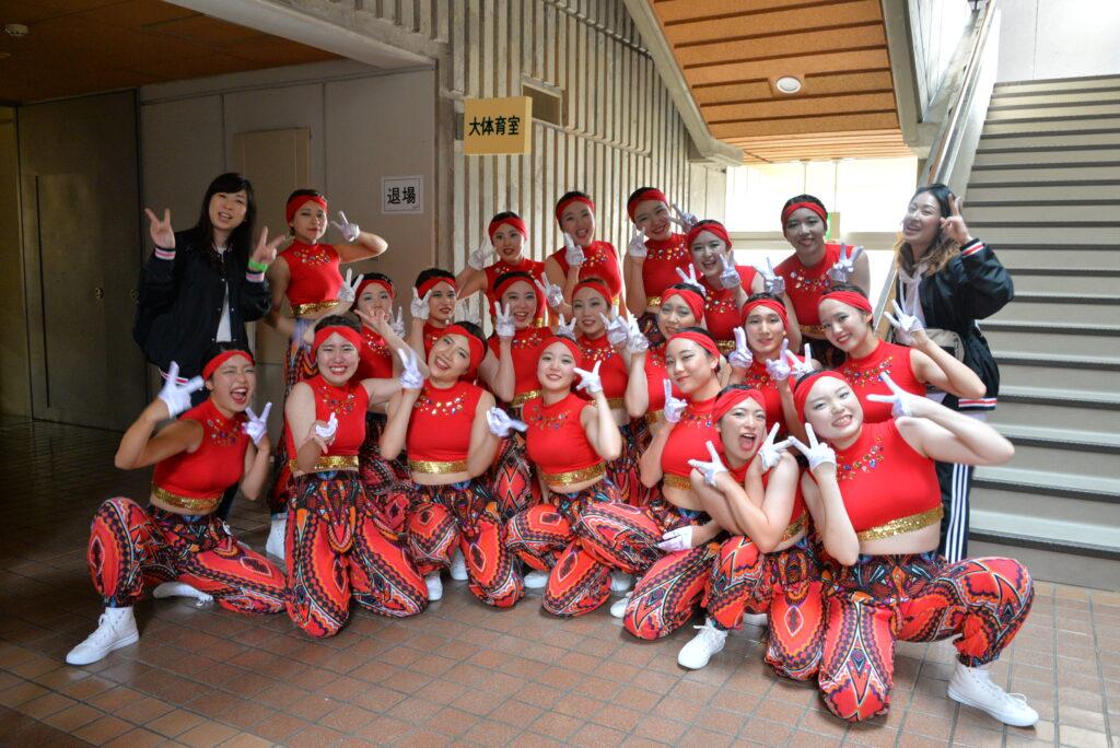 多賀城市体育館で開催された「チェアダン東北大会」で1位になったPEEK-A-BOO!!。12月に全国大会で3位を獲得。平成30年10月13日