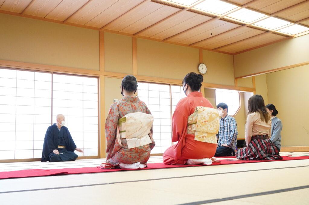 鎌田学園長から茶道の心構えについて