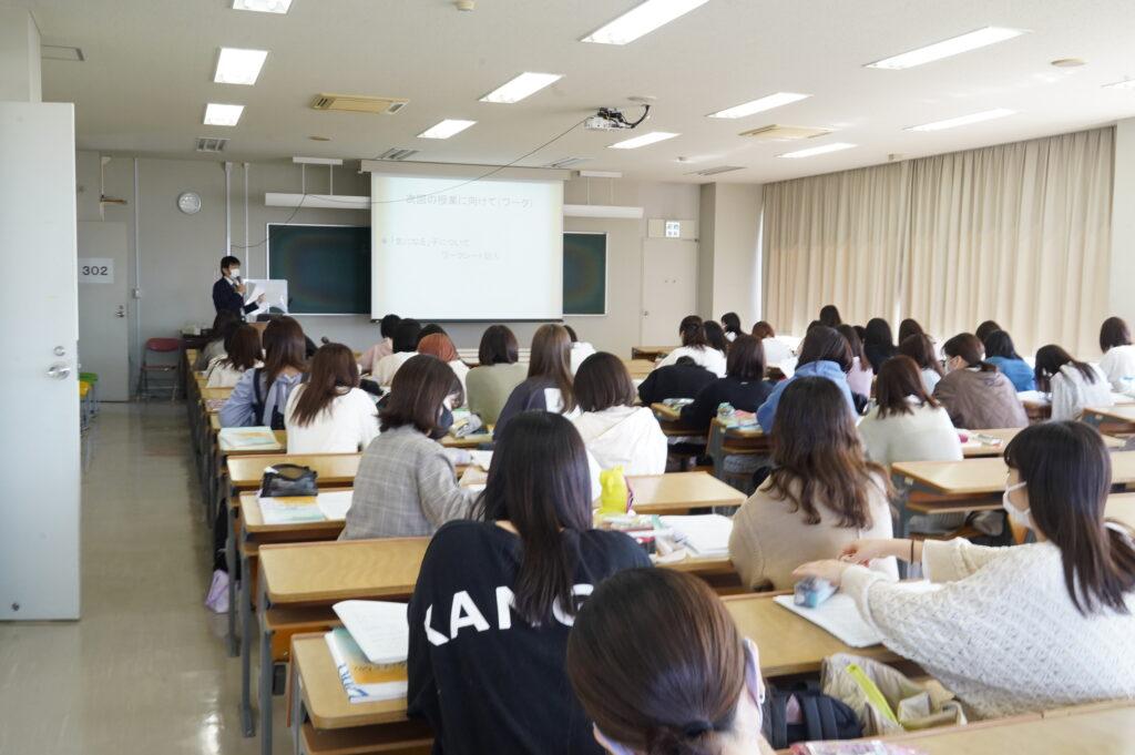 早速、月曜1限目から授業が慌ただしく始まりました。