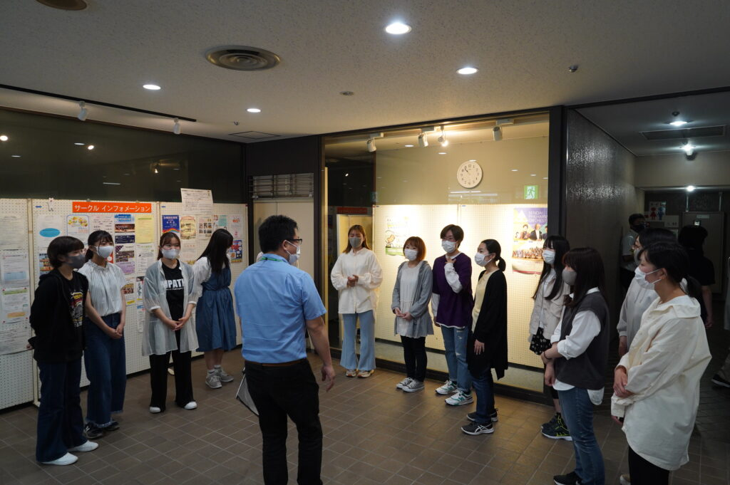 生涯学習センター1階ロビーで展示を見学。